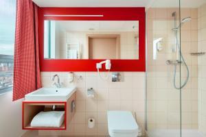 A bathroom at Hotel Altus Poznań Old Town