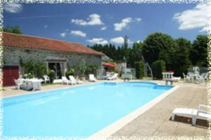 The swimming pool at or near Hôtellerie de Plein Air Camping Leychoisier