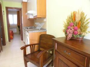 Una cocina o zona de cocina en Apartamentos Playa de Toró