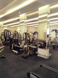 The fitness center and/or fitness facilities at Golden Dune Hotel