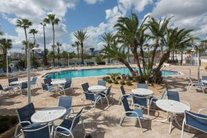 The swimming pool at or near Four Points by Sheraton Orlando International Drive