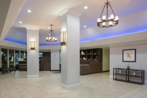 The lobby or reception area at Four Points by Sheraton Orlando International Drive