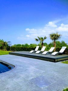 Piscine de l'établissement New Cottage & spa de nage Guesthouse ou située à proximité