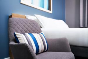 Cama o camas de una habitación en Travelodge Galway