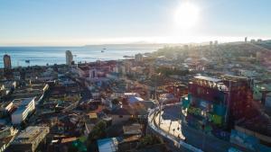 A bird's-eye view of Hotel Winebox Valparaiso