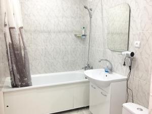 Ванная комната в Apartment on Magistralnaya