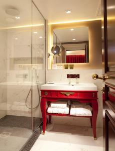 Een badkamer bij La Maison Favart