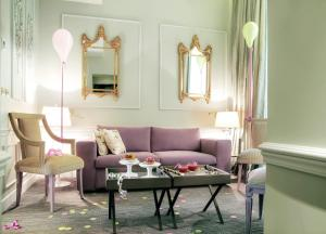 A seating area at La Maison Favart