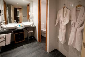 A bathroom at Font D'Argent Canillo