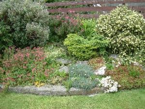 A garden outside Sanderlay Guest House