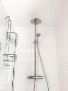 Een badkamer bij Gastenkamers In de Bleick