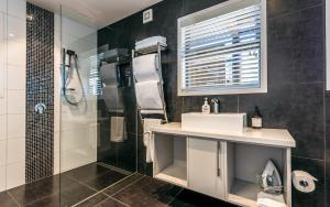 A bathroom at Wild Thyme