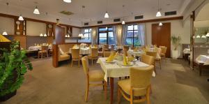 Restaurace v ubytování Wellness Hotel Happy Star