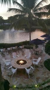 A restaurant or other place to eat at Inn at Pelican Bay