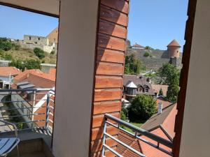 A balcony or terrace at Minaret Apartman