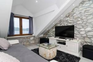 A television and/or entertainment centre at Apartment Culan