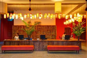The lobby or reception area at Tea Palace Urban Hotel