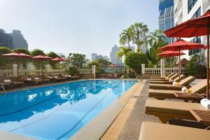 The swimming pool at or near Boulevard Hotel Bangkok Sukhumvit