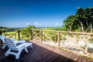 A balcony or terrace at Va'a i te Moana