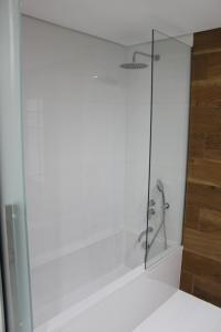 A bathroom at Cascais Avenida Apartment