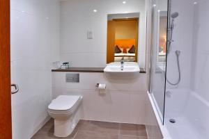 A bathroom at Best Western Plus Nottingham City Centre