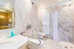 A bathroom at Hotel Ai Cavalieri di Venezia