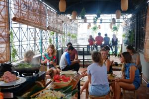 A restaurant or other place to eat at The Like Hostel & Cafe