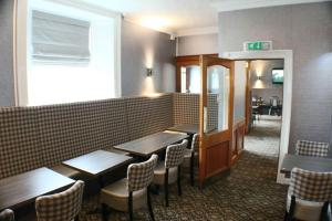 A seating area at Station Hotel Stonehaven