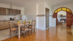 Küche/Küchenzeile in der Unterkunft Senj Apartment