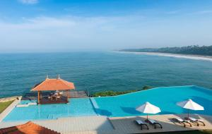 A view of the pool at Saman Villas or nearby