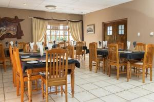 A restaurant or other place to eat at Augrabies Falls Lodge & Camp