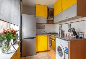 Кухня или мини-кухня в Bolshaya Pokrovskaya str. 75 apartment 18