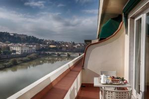 Een balkon of terras bij Plaza Hotel Lucchesi