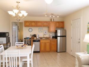 A kitchen or kitchenette at The Sea Spray Resort