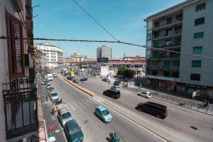 Vista generica su Napoli o vista sulla città dall'interno del bed & breakfast