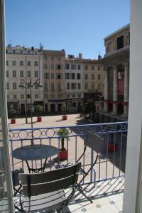A balcony or terrace at La MAISON de l'OPERA