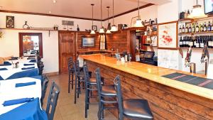 The lounge or bar area at The Country Inn of Berkeley Springs