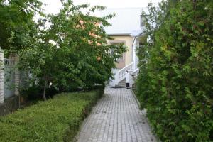 Сад в Гостевой дом на Санаторной 2А