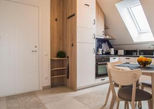 A kitchen or kitchenette at Karkle Twins