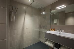 A bathroom at James Boutique Hôtel Colmar centre
