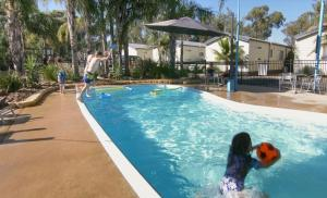 The swimming pool at or near Murray River Holiday Park