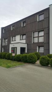 Budynek, w którym mieści się aparthotel