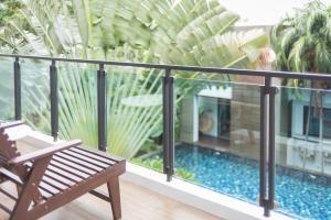 Ein Blick auf den Pool von der Unterkunft Idyllic Concept Resort oder aus der Nähe