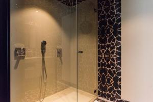 A bathroom at B&B Koto