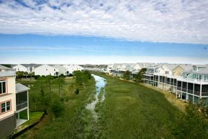 A bird's-eye view of Water's Edge Inn - Adults Only