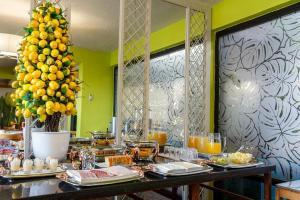 Завтрак для гостей Hotel Alonso de Ercilla