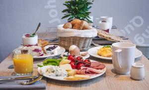 Breakfast options available to guests at Hotel Klarov