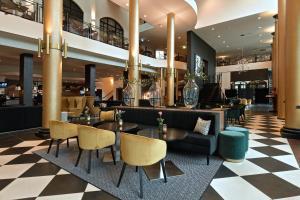 De lounge of bar bij Van der Valk Theaterhotel Almelo