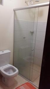 A bathroom at Casa Nova Ótima Escolha