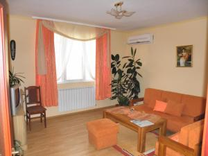 A seating area at Family Hotel Vityaz House
